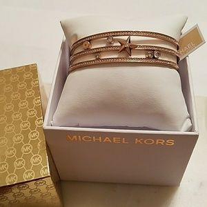 New w/tag & box Michael Kors star bangle bracelet